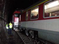 Kolaps na Hlavním nádraží v Praze. Oprava trati potrvá celý víkend, dotkne se stovek spojů