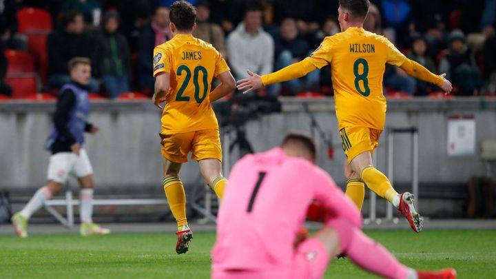 Česko - Wales 2:2. Kuriózní gól, ale pak už nic. Češi inkasovali a získali pouze bod; Zdroj foto: Reuters