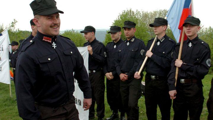 Konec Kotlebovců? Z názvů slovenských stran musí zmizet jména jejich lídrů