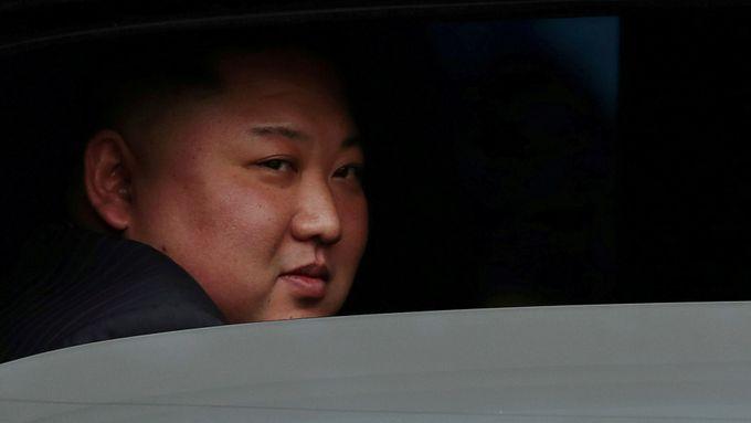 Diplomaté KLDR chtěli pašovat zbraně z Česka do Pchjongjangu, obchod zarazila BIS