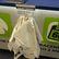 Alza zkouší trik, jak vyzrát na zákaz rozdávání plastových tašek