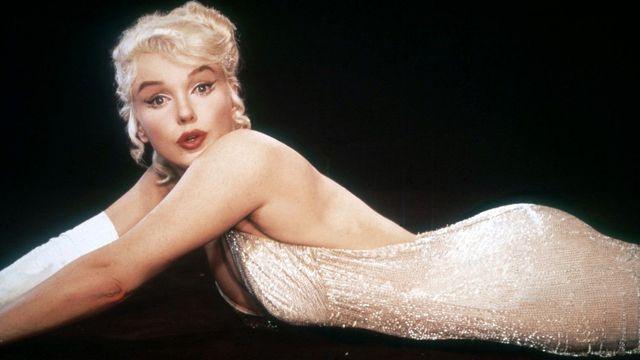 3da93dc81961 Slavné šaty Marilyn Monroe