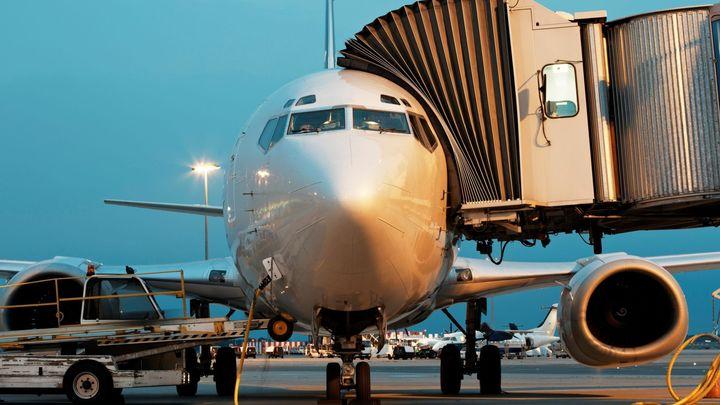 Ceny letenek mohou zlevnit až o tisíce. Díky levné ropě