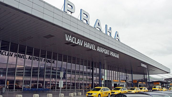 Z Ruzyně odlétá 16 procent letadel se zpožděním