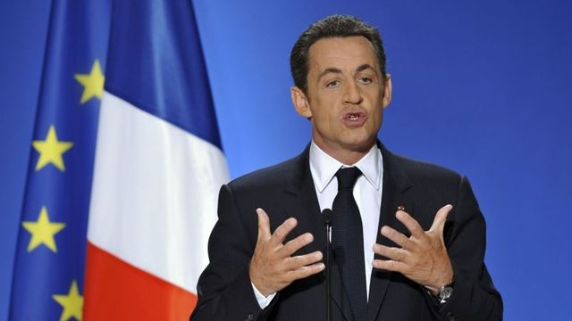 France's President Nicolas Sarkozy delivers a New Year speech to the media at the Elysee Palace in Paris January 8, 2008. REUTERS/Philippe Wojazer (FRANCE)