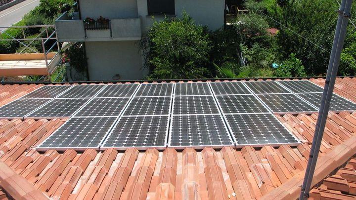 Vláda chce ulevit provozovatelům malých solárních elektráren