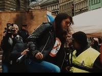 Je to divná doba, Havel je sprostý slovo. PSH posílají v novém klipu Fuck Off pro Zemana i Brichtu