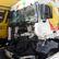Hromadná nehoda kamionů zablokovala Kbelskou ulici, doprava v metropoli kolabuje