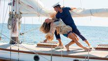 Recenze: Popu s láskou. Pokračování filmu Mamma Mia! halí diváky do 50 zářivých odstínů modré