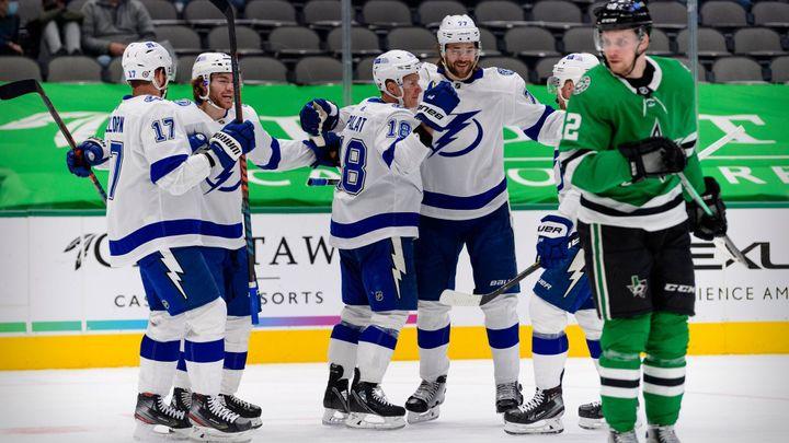 Palát vstřelil v NHL vítězný gól Tampy, Zachova bodová série skončila