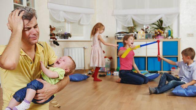 5617a7031 Rodiče mají pouze 32 minut volného času denně. Většina nestíhá ani uvařit