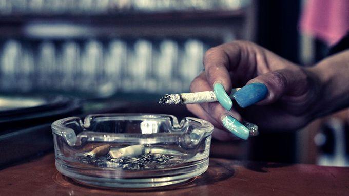 peter severní kouření trojice softcore porno