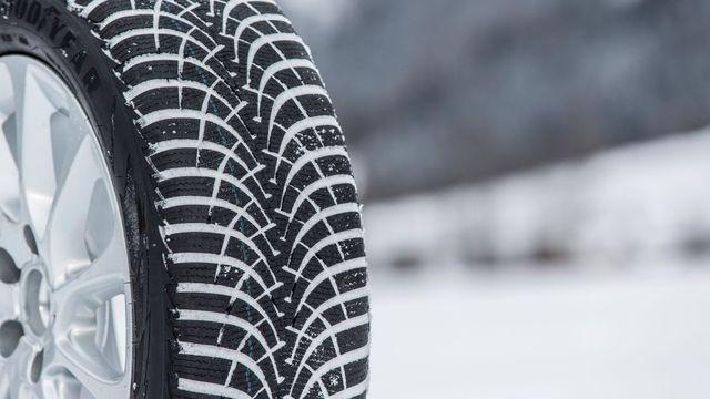 e6f9eed9ba4af Nové zimní pneumatiky zatím oproti loňsku nezdražily. Cenový vrchol přijde  zhruba za měsíc