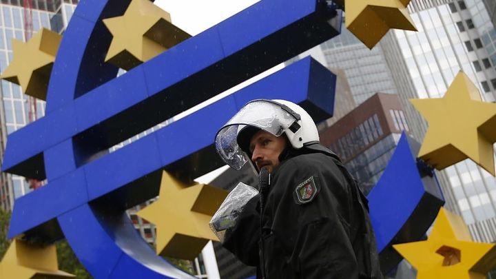 Potvrzeno. Eurozóna se vymanila z hospodářské recese