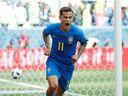 Houževnatí Kostaričané přišli v nastavení o remízu s Brazílií. Švýcaři proti Srbům otočili