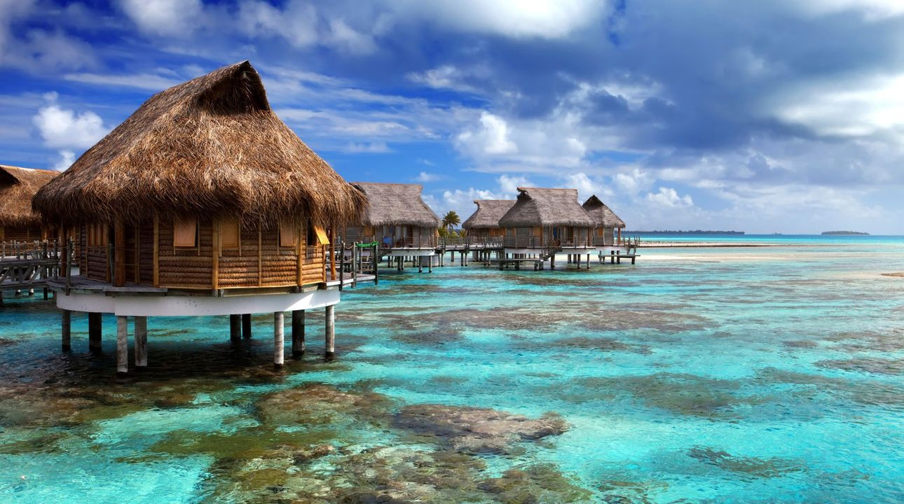 Na Maledivách zemřel 84letý český turista, píší místní média. Zřejmě se utopil