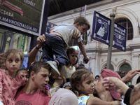 Maďaři zavřeli nádraží. Běžence nevpustí, ani ty s jízdenkou