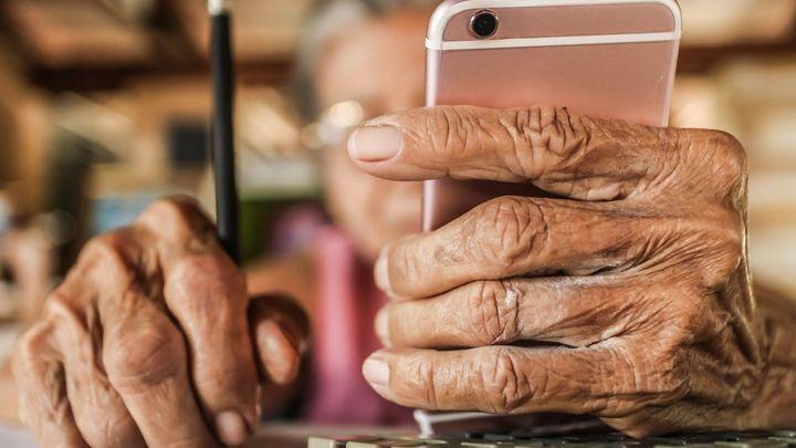 Evropa stárne a s ní i zaměstnanci. Je třeba se připravit, míní Brusel