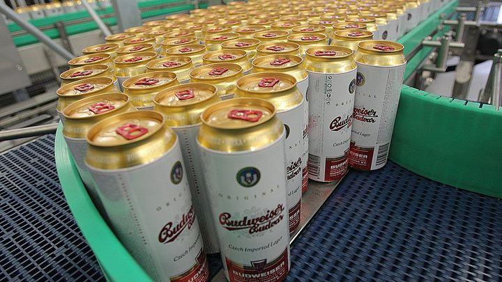 Budvar prodal nejvíc piva v historii. Pomohla i slabá koruna