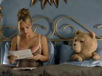 Nadržený Méďa 2 shání dárce spermatu. Pomůže Mark Wahlberg