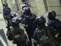 Ozbrojenci zavraždili na severu Francie kněze, policie je zastřelila