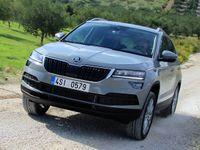 Škoda začíná v Česku oficiálně prodávat SUV Karoq. Víme, jak a kdy se bude rozšiřovat jeho nabídka
