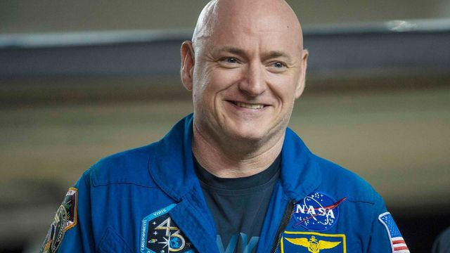 Scott Kelly po návratu do Houstonu