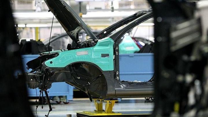 Český průmysl zrychlil růst. Automobilky míří k rekordům