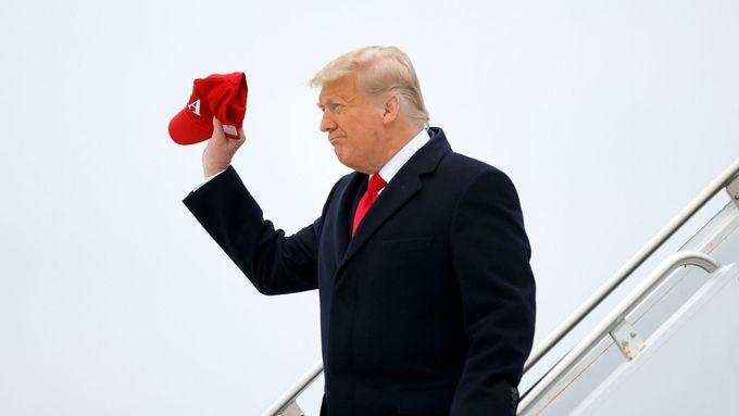 Trump se v projevu rozloučil s prezidentskou funkcí, Bidenovo jméno nezmínil