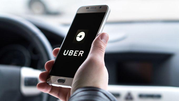 Uber brání svou pověst. Zveřejnil data o sexuálních útocích ve svých vozech
