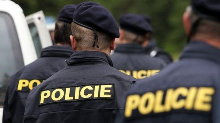 Policisté odhalili gang podvodných dopravců. Ukradli přepravované zboží za 48 milionů