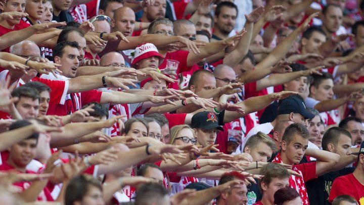Slavia zaplatí za chování fanoušků v EL 150 000. Hrozí jí i zavření stadionu