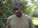 Bavorské tábory mají urychlit deportace migrantů. Jím a spím, nic jiného mi nedovolí, líčí Nigerijec