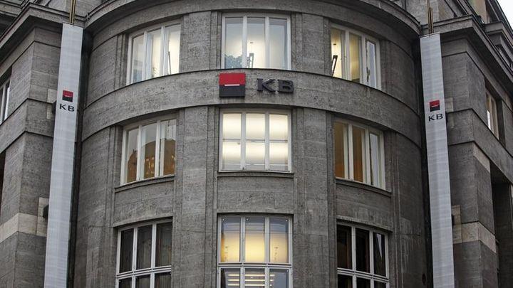 Komerční banka loni zvýšila zisk na téměř 13 miliard korun
