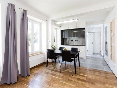 Pohodlně se dá bydlet i v pětadvaceti metrech čtverečních. Kompletní rekonstrukce vyšla na 500 tisíc