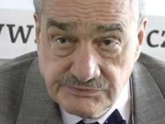 Prince Eccentric. Karel Schwarzenberg, the leader of TOP 09