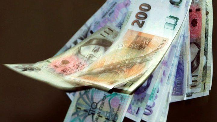 Česká měna oslabila pod 26 Kč za dolar, poprvé od roku 2004