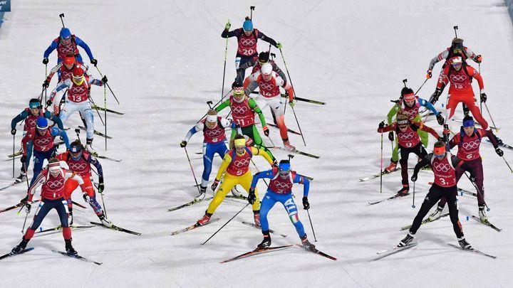 Živě: Biatlonová štafeta žen začala. Která reprezentace si dojede pro zlato?