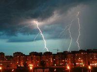 Česko zasáhly silné bouřky. Padaly stromy, vypadla elektřina a voda zatopila sklepy