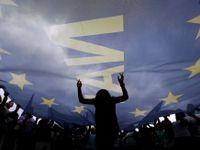 Živě: Teď je to na Řecích, Ne jim nepomůže, zní z Bruselu