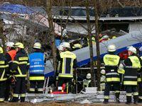 Srážka vlaků: Mrtví jsou strojvůdci i průvodčí. 55 lidí je těžce zraněno