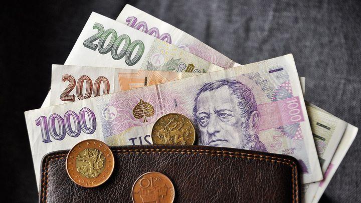 Krize končí, ukazují čísla z ekonomiky. Poznáte to na platu?
