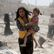 Asad získal po letech kontrolu nad Darájou, v Aleppu zabíjely barelové bomby
