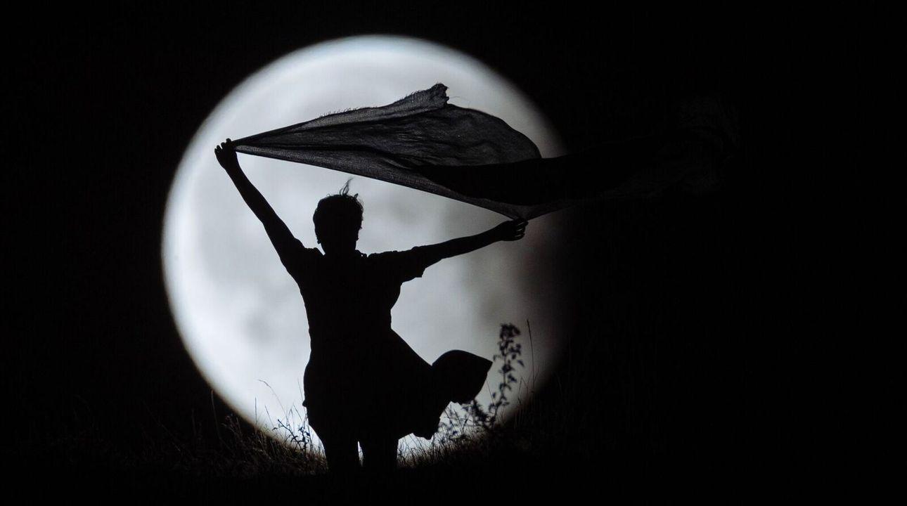Úplné zatmění Měsíce: K ránu nastane pestrobarevný úplněk. Jak ho pozorovat a fotit?