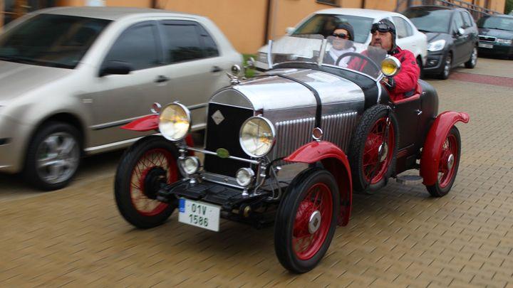 Sraz vozů Rolls-Royce a Bentley u Prahy