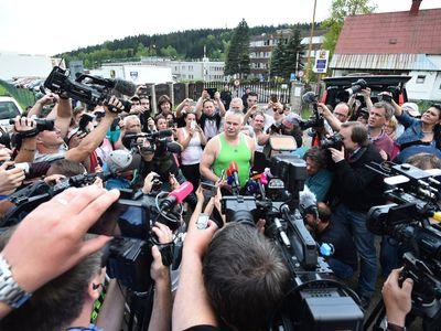 Petr Uhl píše o Kajínkovi: Obojí je absurdní, milost i doživotní trest