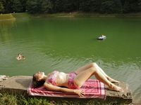 Léto bez koupání? Za sinice v rybnících si můžeme sami, desítky let je krmíme fosforem, říká Duras