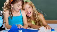Učit děti je náročná práce. V Německu velmi slušně oceněná, u nás velmi podceněná.