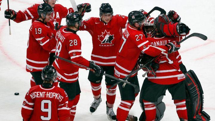 Kanada se raduje. Její juniorská reprezentace vyfoukla Čechům velký hokejový talent: Adam Musil se rozhodl jako první ze slavné české rodiny nereprezentovat Českou republiku, ale právě Kanadu.
