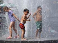 Počasí online: Padají teplotní rekordy, vedro má první oběť